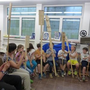 Holzskulpturen für den Schulgarten